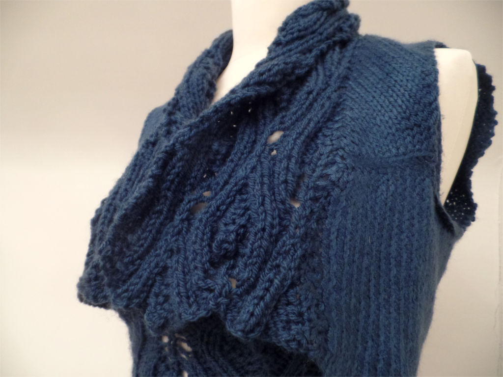 Knitted buste dress